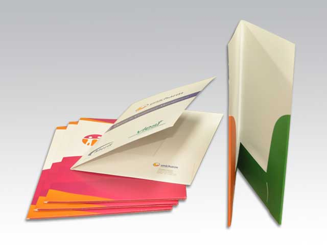 http://www.landmarkprinting.com.au/images/products_gallery_images/Presentation-Folders.jpg